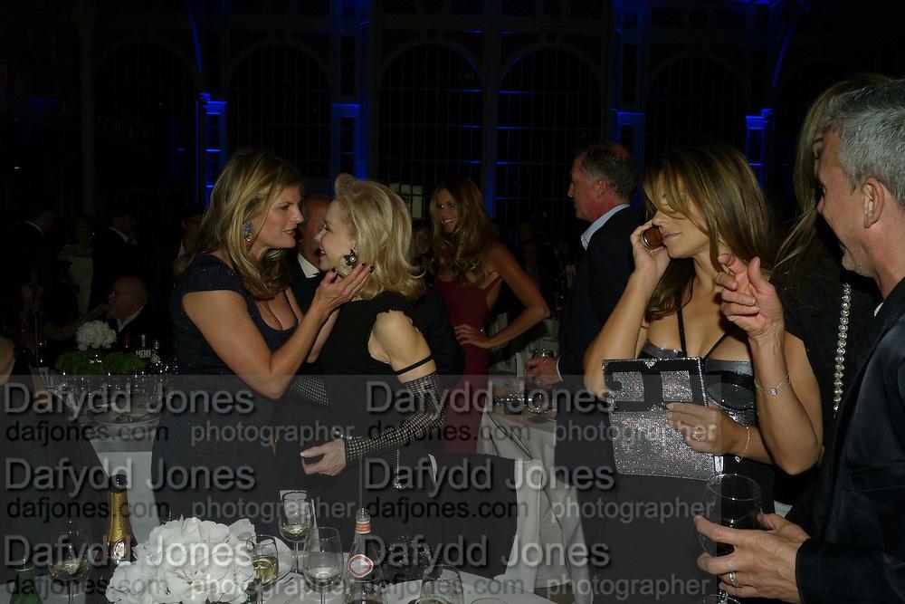 SUSANNAH CONSTANTINE; LYNN WYATT; ELIZABETH HURLEY, GQ 2008 Men of the Year awards. Royal Opera House. Covent Garden. London. 2 September 2008 *** Local Caption *** -DO NOT ARCHIVE-© Copyright Photograph by Dafydd Jones. 248 Clapham Rd. London SW9 0PZ. Tel 0207 820 0771. www.dafjones.com.