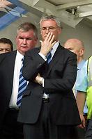 Photo. Andrew Unwin, Digitalsport<br /> NORWAY ONLY<br /> <br /> Chelsea v Leeds United. FA Barclaycard Premiership. 15/05/2004.<br /> A concerned  Claudio Ranieri