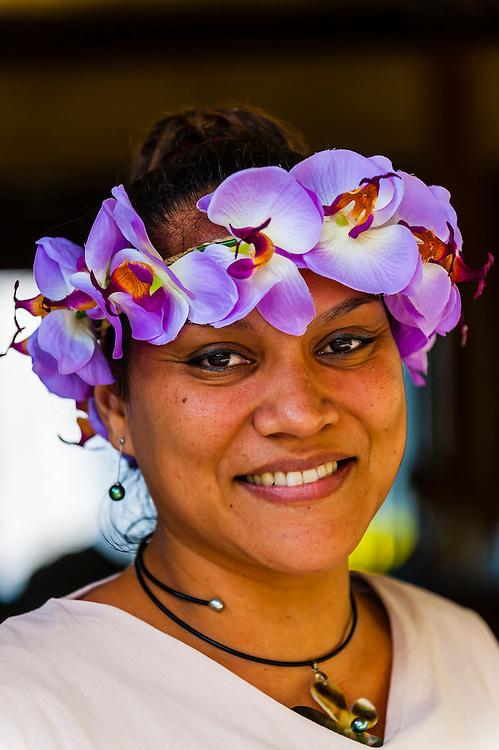 Polynesian woman, Hilton Moorea Lagoon Resort, island of Moorea, Society Islands, French Polynesia.