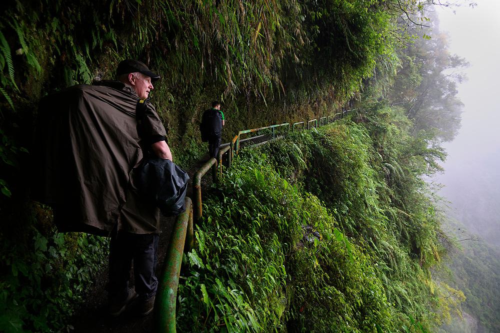 Photographer Staffan Widstrand hiking in Walami, Yushan National Park, Hualian, Taiwan.