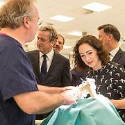 NLD/Amsterdam/20190206- Bezoek Mark Rutte aan het Skills Centre (AMC), Femke Halsema opereert een knie