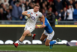 England's Sam Simmonds races clear to score his side's fourth try during the NatWest 6 Nations match at the Stadio Olimpico, Rome.