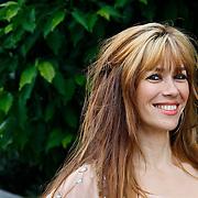 NLD/Amsterdam/20100716 - Inloop modeshow Monique de Collignon bij de AIF, Beertje van Beers