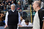 DESCRIZIONE : Bologna LNP A2 2015-16 Eternedile Bologna De Longhi Treviso<br /> GIOCATORE : Stefano Pillastrini<br /> CATEGORIA : Coach Fair Play Mani Direttive Arbitro Composizione<br /> SQUADRA : De Longhi Treviso<br /> EVENTO : Campionato LNP A2 2015-2016<br /> GARA : Eternedile Bologna De Longhi Treviso<br /> DATA : 15/11/2015<br /> SPORT : Pallacanestro <br /> AUTORE : Agenzia Ciamillo-Castoria/A.Giberti<br /> Galleria : LNP A2 2015-2016<br /> Fotonotizia : Bologna LNP A2 2015-16 Eternedile Bologna De Longhi Treviso