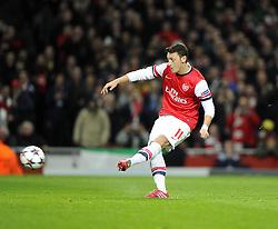 Arsenal's Mesut Ozil misses a penalty - Photo mandatory by-line: Joe Meredith/JMP - Tel: Mobile: 07966 386802 19/02/2014 - SPORT - FOOTBALL - London - Emirates Stadium - Arsenal v Bayern Munich - Champions League - Last 16 - First Leg