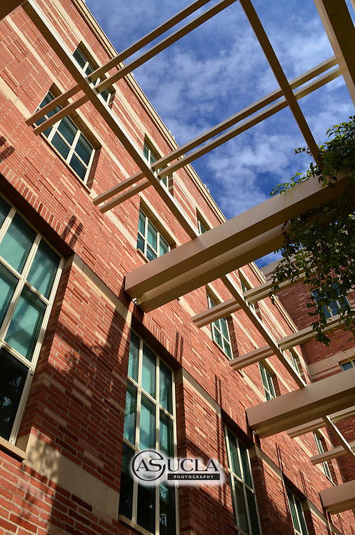 ASUCLA Photography Archive -  Exterior image of the UCLA School of Law, UCLA Campus. University of California Los Angeles, Westwood, California.<br /> <br /> Copyright: ASUCLA