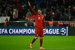 November 6, 2019, Munich, Germany: Robert Lewandowski from Bayern waves to the public during the UEFA Champions League group B match between Bayern and Olympiacos at Allianz Arena in Munich. (Credit Image: © Bruno De Carvalho/SOPA Images via ZUMA Wire)