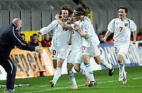 Fotball<br /> Play off VM 2006<br /> Tsjekkia v Norge <br /> Czech Republic v Norway<br /> 16.11.2005<br /> Foto: Morten Olsen, Digitalsport<br /> <br /> Tomas Rosicky celebrating 1-0 with Marek Jankulovski (6), Tomas Ujfalusi (21) and Vladmir Smicer (7)