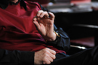 12 JAN 2007, POTSDAM/GERMANY:<br /> Haende von Prof. Hans Joachim Schellnhuber, Direktor, Potsdamer Institut fuer Klimaforschung, PIK, waehrend einem Interview, in seinem Buero, Institut fuer Klimaforschung<br /> IMAGE: 20070112-01-015<br /> KEYWORDS: Hand, Hände