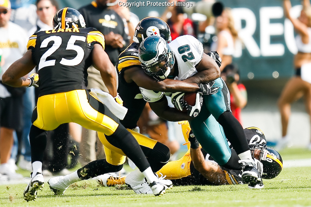 21 Sept 2008: Philadelphia Eagles running back Tony Hunt #29 runs the ball during the game against the Pittsburgh Steelers on September 21st, 2008.  The Eagles won 15-6 at Lincoln Financial Field in Philadelphia Pennsylvania.