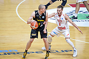 DESCRIZIONE : Varese FIBA Eurocup 2015-16 Openjobmetis Varese Telenet Ostevia Ostende<br /> GIOCATORE : Niels Marnegrave<br /> CATEGORIA : Palleggio<br /> SQUADRA : Telenet Ostevia Ostende<br /> EVENTO : FIBA Eurocup 2015-16<br /> GARA : Openjobmetis Varese - Telenet Ostevia Ostende<br /> DATA : 28/10/2015<br /> SPORT : Pallacanestro<br /> AUTORE : Agenzia Ciamillo-Castoria/M.Ozbot<br /> Galleria : FIBA Eurocup 2015-16 <br /> Fotonotizia: Varese FIBA Eurocup 2015-16 Openjobmetis Varese - Telenet Ostevia Ostende