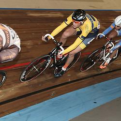 27-12-2014: Wielrennen: NK Baanwielrennen: Apeldoorn Dion Beukeboom werd kampioen op de achtervolging en pakte ook nog even de puntenkoers mee