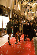 PAULINE ALLSOP; CATHERINE MICHAEL, Patsy Kensit turns on Burlington Arcade Christmas Lights, Burlington Arcade, London, W1. 26 November 2008 *** Local Caption *** -DO NOT ARCHIVE -Copyright Photograph by Dafydd Jones. 248 Clapham Rd. London SW9 0PZ. Tel 0207 820 0771. www.dafjones.com