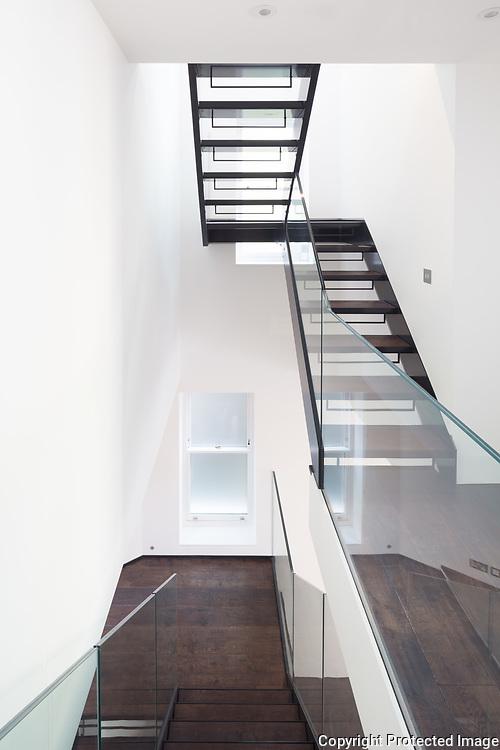 Laverton Mews, London. August 2017. Architect: Dyer Grimes. Contractor: Galower Build.