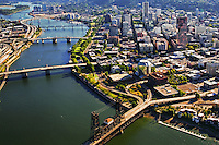 Downtown Portland & Willamette River Bridges