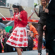 NLD/Wemeldinge/20100430 -  Koninginnedag 2010, Aimee Söhngen en partner Floris