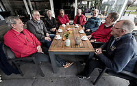 NOORDWIJK - Golfvrienden The Dimples  , spelend op Noordwijk Gof Centrum. COPYRIGHT KOEN SUYK