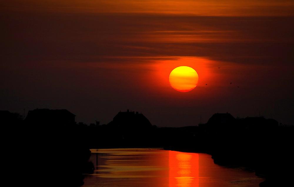 23.04.2009<br /> Sunset<br /> Hallig Hooge, Germany