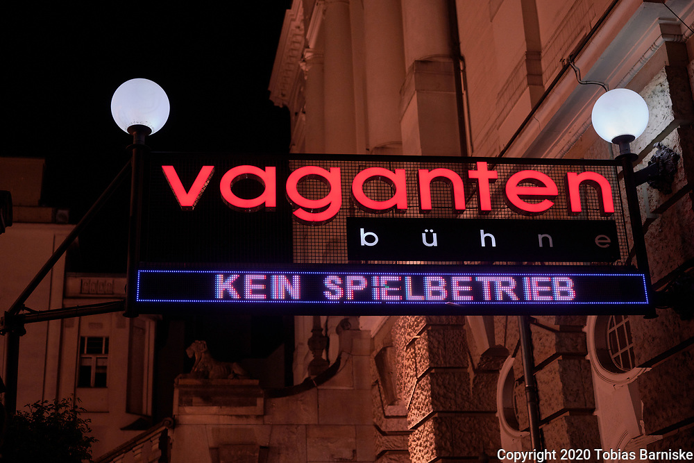 A small theatre in Berlin: The illuminated advertising indicates that the theatre is currently closed.