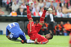 19.05.2012, Allianz Arena, Muenchen, GER, UEFA CL, Finale, FC Bayern Muenchen (GER) vs FC Chelsea (ENG), im Bild Didier DROGBA (FC Chelsea), links und Jerome BOATENG (Bayern Muenchen) stossen zusammen // during the Final Match of the UEFA Championsleague between FC Bayern Munich (GER) vs Chelsea FC (ENG) at the Allianz Arena, Munich, Germany on 2012/05/19. EXPA Pictures © 2012, PhotoCredit: EXPA/ Eibner/ Eckhard Eibner..***** ATTENTION - OUT OF GER *****