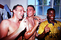 Fotball<br /> England 1989/1990<br /> Bournemouth v Leeds<br /> 5. mai 1990<br /> Foto: Digitalsport<br /> NORWAY ONLY<br /> Mel Sterland, Vinnie Jones and Chris Fairclough celebrate the Leeds United promotion from Division two after the victory over Bournemouth