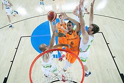 08-09-2015 CRO: FIBA Europe Eurobasket 2015 Slovenie - Nederland, Zagreb<br /> De Nederlandse basketballers hebben de kans om doorgang naar de knockoutfase op het EK basketbal te bereiken laten liggen. In een spannende wedstrijd werd nipt verloren van Slovenië: 81-74 / Worthy de Jong of Netherlands vs Nebojsa Joksimovic of Slovenia and Zoran Dragic of Slovenia. Photo by Vid Ponikvar / RHF