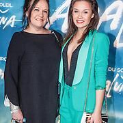 NLD/Amsterdam/201603157 - Premiere Cirque de Soleil - Amaluna, Xandra Brood en dochter Lola Brood