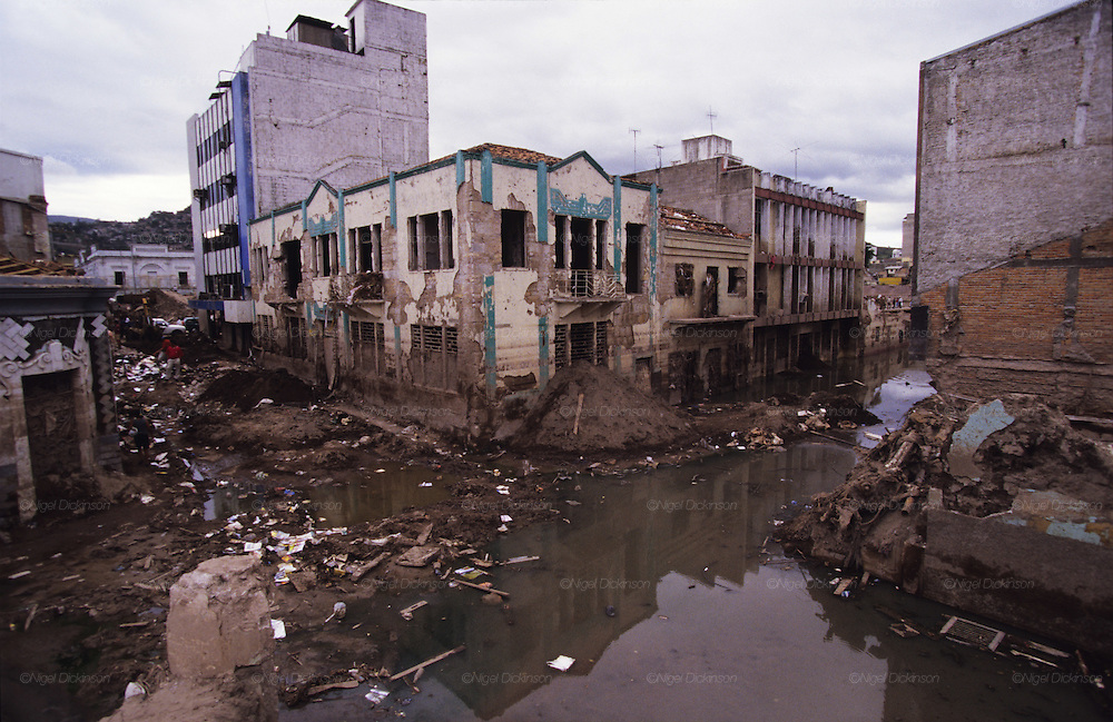 Central America, Honduras, Tegucigalpa. Flooded areas, Devastation in the aftermath of Hurricane Mitch. High winds and flooding. Infrastructure destroyed.