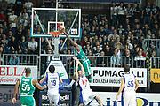 DESCRIZIONE : Cantu Campionato Lega A 2011-12 Bennet Cantu Sidigas Avellino<br /> GIOCATORE : Linton Johnson<br /> CATEGORIA : Schiacciata Sequenza<br /> SQUADRA : Sidigas Avellino<br /> EVENTO : Campionato Lega A 2011-2012<br /> GARA : Bennet Cantu Sidigas Avellino<br /> DATA : 13/11/2011<br /> SPORT : Pallacanestro<br /> AUTORE : Agenzia Ciamillo-Castoria/G.Cottini<br /> Galleria : Lega Basket A 2011-2012<br /> Fotonotizia : Cantu Campionato Lega A 2011-12 Bennet Cantu Sidigas Avellino<br /> Predefinita :