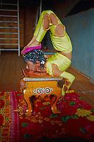 Mongolie, Oulaan Bator, Ecole de contorsionniste // <br /> School of contortion, Ulaan Batar, Mongolia