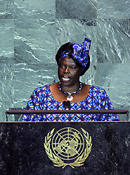 Green Belt Movement founder Wangari Muta Maathai addresses the United Nations Climate Change Summit at the UN headquarters in New York Sept. 22, 2009. (Xinhua/Shen Hong) (gxr (Credit Image: Xinhua/ZUMAPRESS.com)