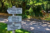 France, Bourgogne-Franche-Comté, Yonne (89), Sens, parc du Moulin à Tan // France, Burgundy, Yonne, Sens, Moulin à Tan park and garden