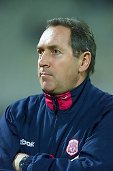 ATHENS, GREECE - Thursday, November 23, 2000: Liverpool's manager Gerard Houllier. (Pic by David Rawcliffe/Propaganda)