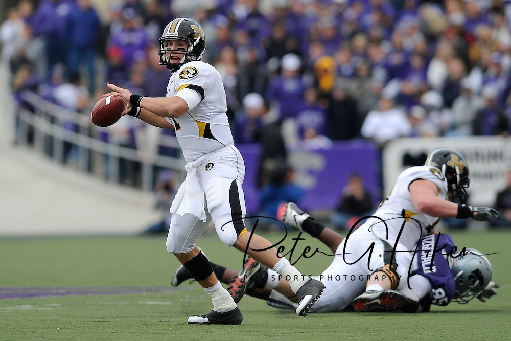 MANHATTAN, KS - NOVEMBER 14:  Quarterback Blaine Gabbert #11 of the Missouri Tigers looks down field as he gets ready to throw the ball down field in the fourth quarter against the Kansas State Wildcats on November 14, 2009 at Bill Snyder Family Stadium in Manhattan, Kansas.  (Photo by Peter G. Aiken/Getty Images)