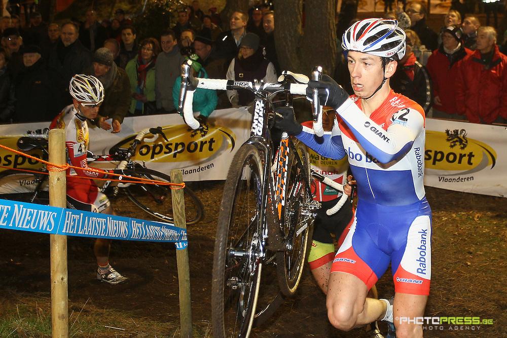 BELGIUM / KALMTHOUT / CYCLING / WIELRENNEN / CYCLISME / CYCLOCROSS / CYCLO-CROSS / VELDRIJDEN / VLAAMSE INDUSTRIEPRIJS / DE BOSDUIN / LARS VAN DER HAAR /