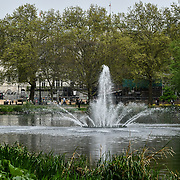 A water fountain at St James park and a lovely weather on 23 April 2019, London, UK.