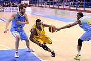 DESCRIZIONE : Porto San Giorgio Lega A 2013-14 Sutor Montegranaro Vanoli Cremona<br /> GIOCATORE : Josh Mayo<br /> CATEGORIA : palleggio penetrazione<br /> SQUADRA : Sutor Montegranaro<br /> EVENTO : Campionato Lega A 2013-2014<br /> GARA : Sutor Montegranaro Vanoli Cremona<br /> DATA : 12/01/2014<br /> SPORT : Pallacanestro <br /> AUTORE : Agenzia Ciamillo-Castoria/C.De Massis<br /> Galleria : Lega Basket A 2013-2014  <br /> Fotonotizia : Porto San Giorgio Lega A 2013-14 Sutor Montegranaro Vanoli Cremona<br /> Predefinita :