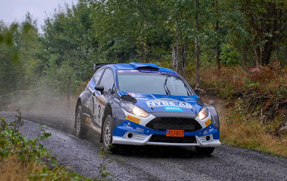 2021-08-27 ÄLMHULT<br /> South Swedish Rally 2021<br /> <br /> Jonas Åkesson Karlskrona AK<br /> Martin HolmdahlKNA Kongsvinger<br /> Ford Fiesta R5<br /> <br />  ***betalbild***<br /> <br /> Foto: Peo Möller<br /> <br /> South Swedish Rally 2021, rally, rallybil, grusväg, tävling, Älmhult, SM, deltävling, regn, Sydsvenska Rallyt 2021