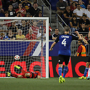 Steven Lenhart, (right), San Jose Earthquakes, scores his sides late equalizer  during the New York Red Bulls Vs San Jose Earthquakes, Major League Soccer regular season match at Red Bull Arena, Harrison, New Jersey. USA. 19th July 2014. Photo Tim Clayton