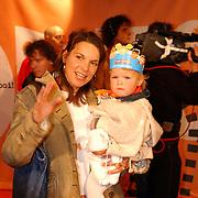 Uitreiking Kids Choice Awards 2004, Minous Jorissen en kind Luna