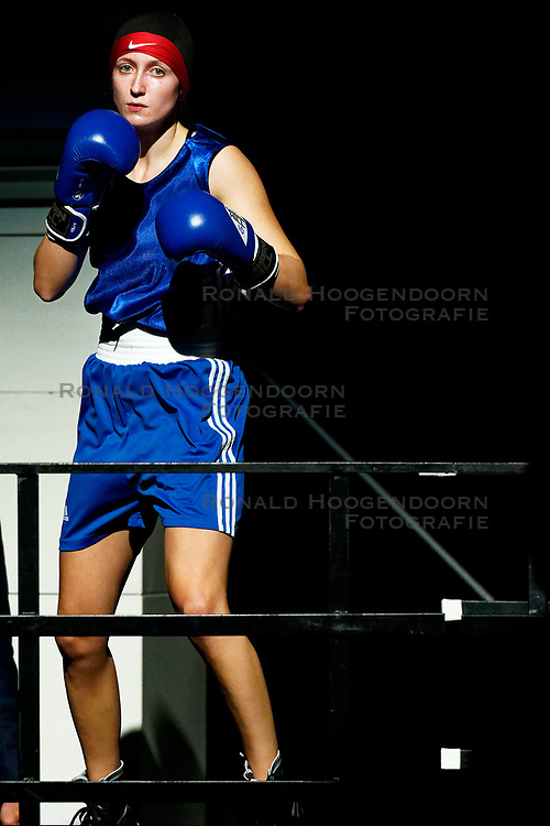 17-11-2019 NED: World Port Boxing Netherlands - Kazakhstan, Rotterdam<br /> 3rd World Port Boxing in Excelsior Stadion Rotterdam / Mira Massing (NED) 57 kg klasse