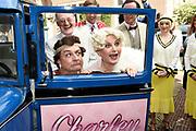 Perspresentatie musical Charley in de Sofitel Legend The Grand Amsterdam.<br /> <br /> Op de foto:   Jon van Eerd en  Vera Mann