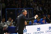 DESCRIZIONE : Cremona Lega A 2015-2016 Vanoli Cremona Pasta Reggia Caserta<br /> GIOCATORE :  Sandro Dell Agnello Coach<br /> SQUADRA : Pasta Reggia Caserta  <br /> EVENTO : Campionato Lega A 2015-2016<br /> GARA : Vanoli Cremona Pasta Reggia Caserta<br /> DATA : 18/10/2015<br /> CATEGORIA : Coach Esultanza<br /> SPORT : Pallacanestro<br /> AUTORE : Agenzia Ciamillo-Castoria/F.Zovadelli<br /> GALLERIA : Lega Basket A 2015-2016<br /> FOTONOTIZIA : Cremona Campionato Italiano Lega A 2015-16  Vanoli Cremona Pasta Reggia Caserta<br /> PREDEFINITA : <br /> F Zovadelli/Ciamillo