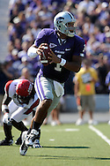 MANHATTAN, KS - SEPTEMBER 27:  Quarterback Josh Freeman #1 of the Kansas State Wildcats rushes down field in the first half against the Louisiana-Lafayette Ragin' Cajuns on September 27, 2008 at Bill Snyder Family Stadium in Manhattan, Kansas.  Kansas State won 45-37.
