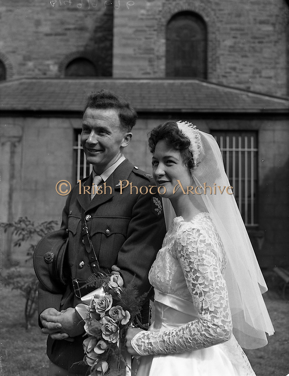 29/08/1959<br /> 08/29/1959<br /> 29 August 1959 <br /> Wedding of Lt. Anthony (Tony) Wall, 10 Fianna Road, Thurles, Co. Tipperary and Artillery Barracks, Kildare, Captain of last year's Senior All-Ireland Tipperary Hurling team, and Miss Elizabeth Barclay of New Bride Street, Dublin at the Church of St Nicholas of Myra, Francis St., Dublin.