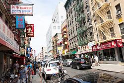 THEMENBILD - Chinatown ist ein Stadtteil in Lower Manhattan und ist die groesste Enklave von chinesischen Leuten in der westlichen Hemisphäre. im Bild Mulberry Street, Aufgenommen am 10. August 2016 // Chinatown is a neighborhood in Lower Manhattan and it is home to the largest enclave of Chinese people in the Western Hemisphere., This pictures shows Mulberry Street, New York City, United States on 2016/08/10. EXPA Pictures © 2016, PhotoCredit: EXPA/ Sebastian Pucher