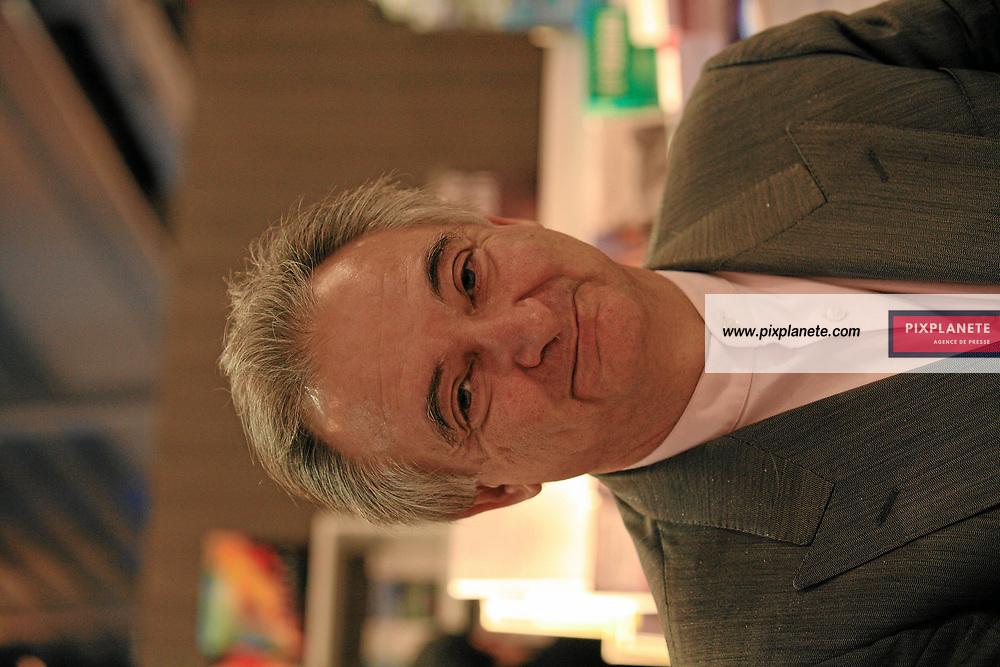 Jacques Attali - Salon du livre 2007 à Paris - Le 23/03/2007 - JSB / PixPlanete
