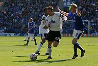 Photo: Steve Bond.<br />Leicester City v Derby County. Coca Cola Championship. 06/04/2007. Matt Oakley (L) passes stephen Hughes (R)