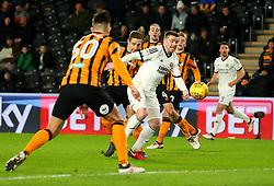 John Fleck of Sheffield United goes past Michael Dawson of Hull City - Mandatory by-line: Robbie Stephenson/JMP - 23/02/2018 - FOOTBALL - KCOM Stadium - Hull, England - Hull City v Sheffield United - Sky Bet Championship