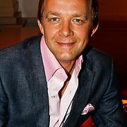 NLD/Hilversum/20100819 - RTL perspresentatie 2010, Derek Ogilvie